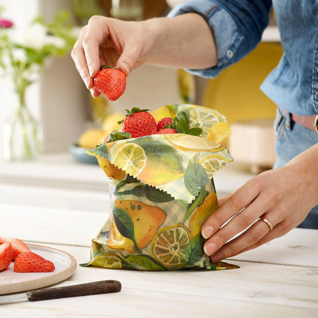 Clever Uses For Beeswax Wraps: Keeping Food Fresh