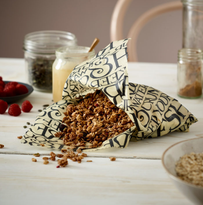 Clever Uses For Beeswax Wraps: Making a Pouch